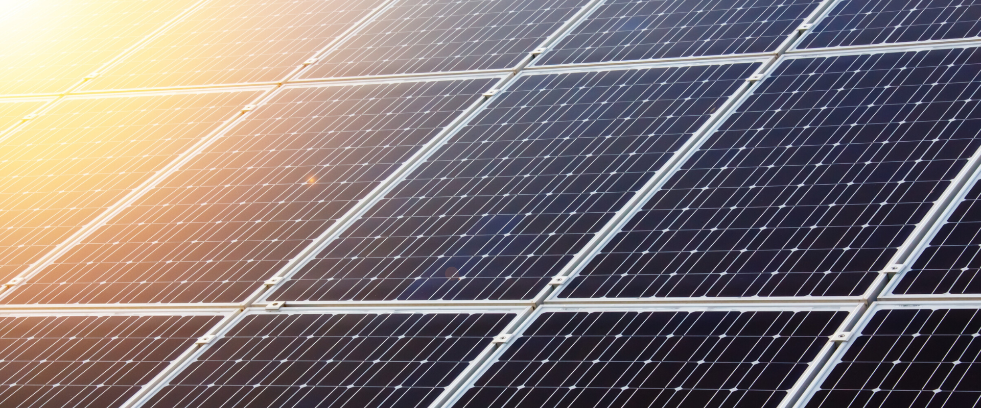 ביצוע עבודות חשמל למערכות סולאריות